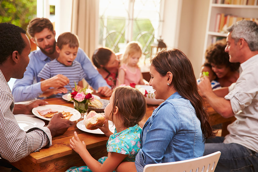Family Dinners – Eating Together Brings Health and Happiness